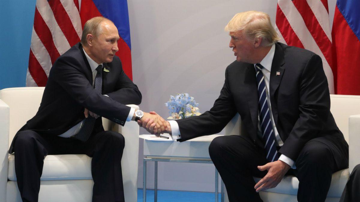 [FOTOS] El lujoso celular que conmemora la reunión entre Donald Trump y Vladimir Putin