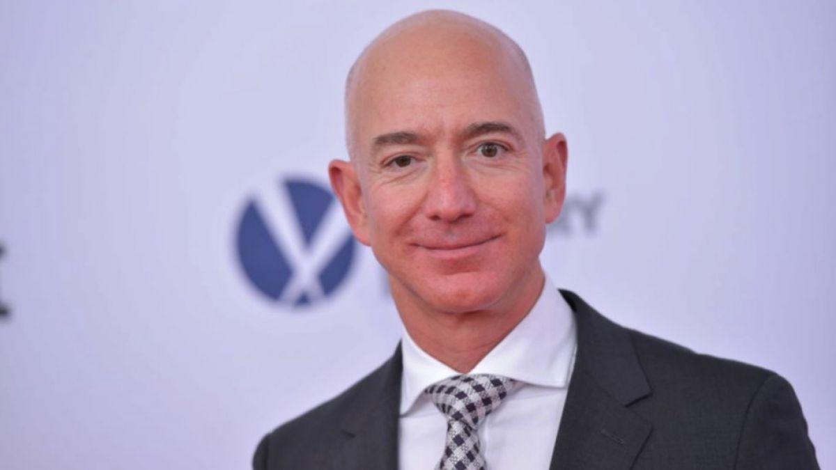 Empleados de Amazon piden a Jeff Bezos que deje de vender tecnología al gobierno de Trump