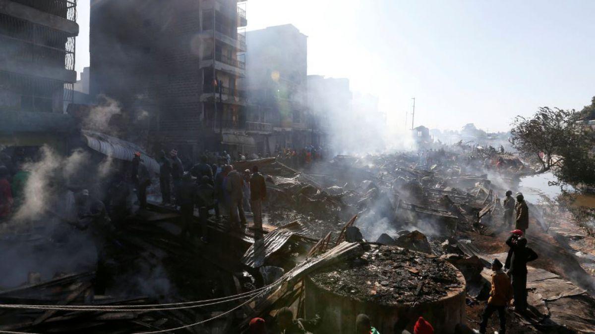Incendio deja 15 muertos y 70 heridos