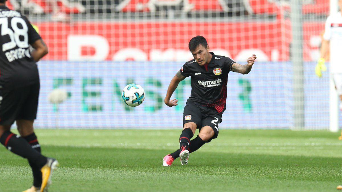 Bayer Leverkusen desmiente despido de Charles Aránguiz
