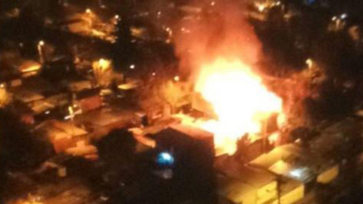 [VIDEO] Incendio destruye tres viviendas en población Juan Pablo II de Lo Barnechea