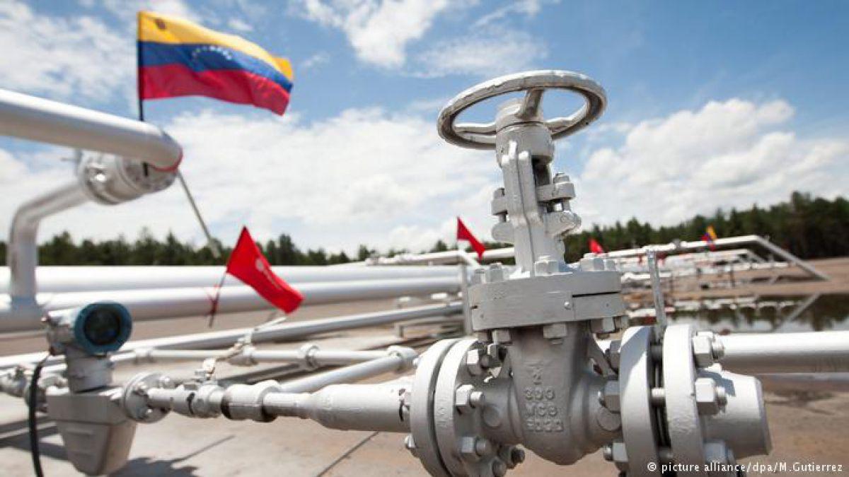 Venezuela busca el apoyo chino para salvar su industria petrolera