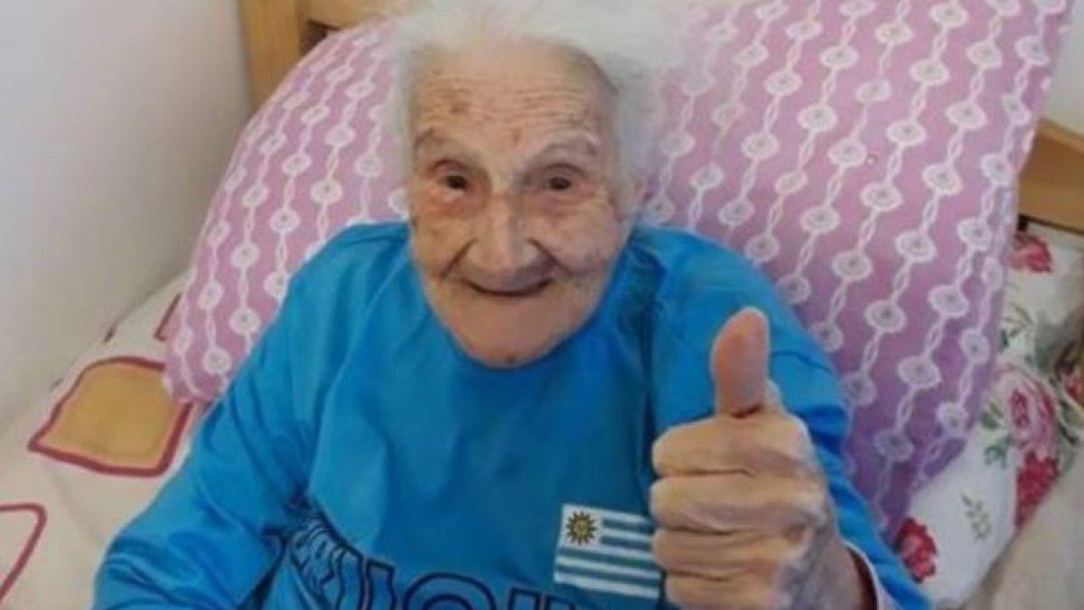La historia de la abuela de 100 años que ha visto todos los mundiales