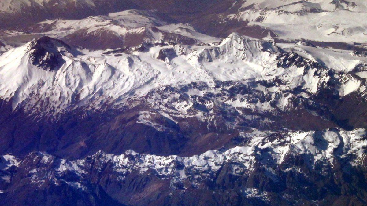 Región del Maule: Sernageomin declara alerta amarilla en complejo volcánico Planchón -Peteroa