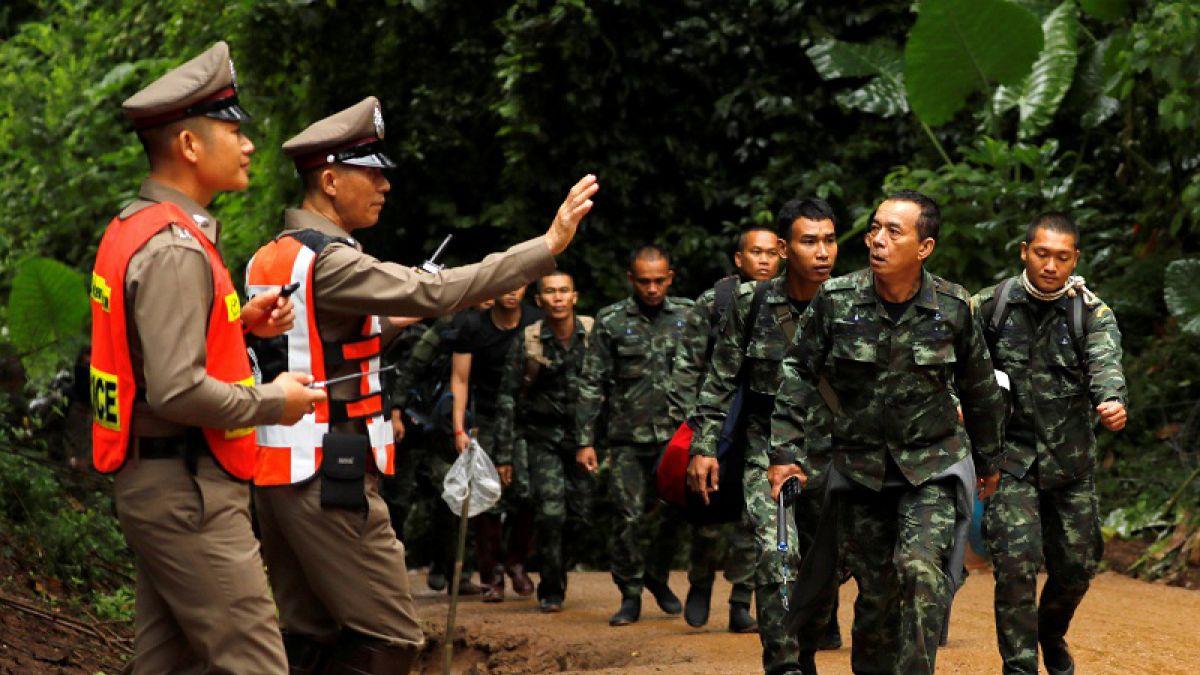[FOTOS] El emotivo mensaje de los rescatistas antes de iniciar el rescate de niños en Tailandia