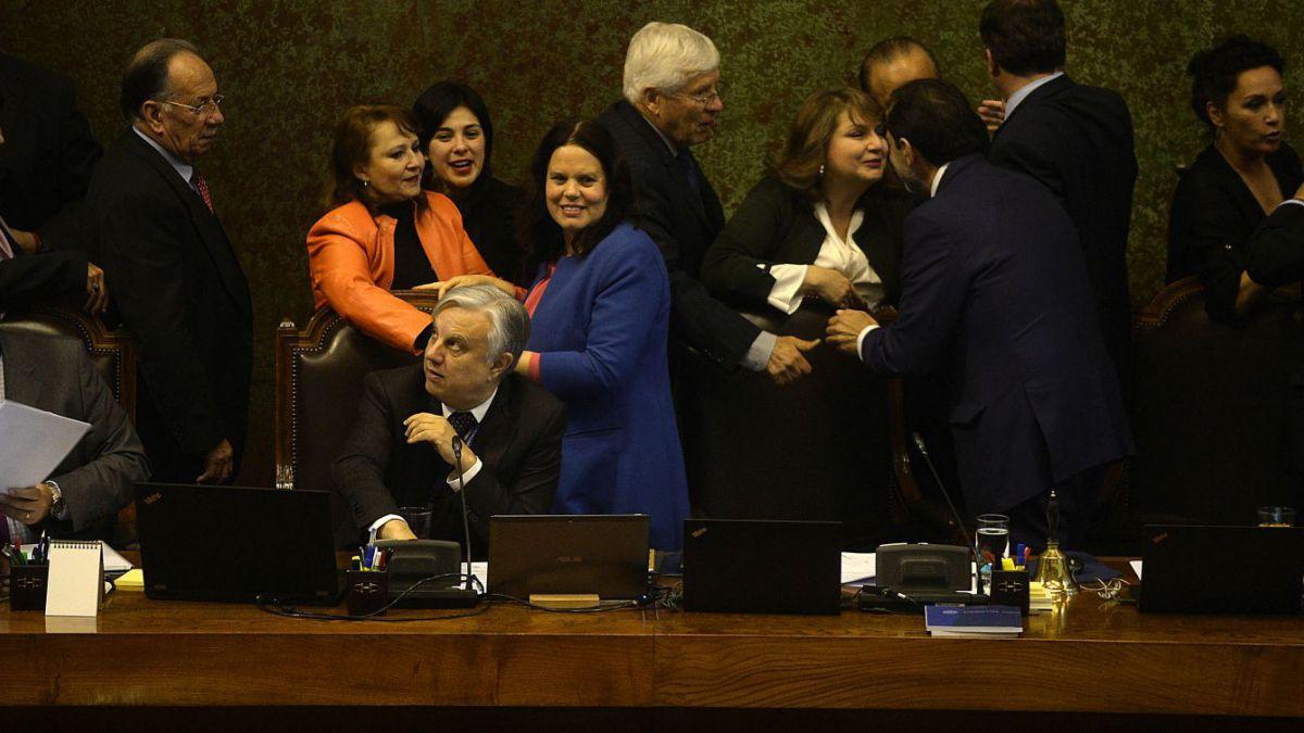 Diputados rechazan moción de censura a la mesa de la Cámara