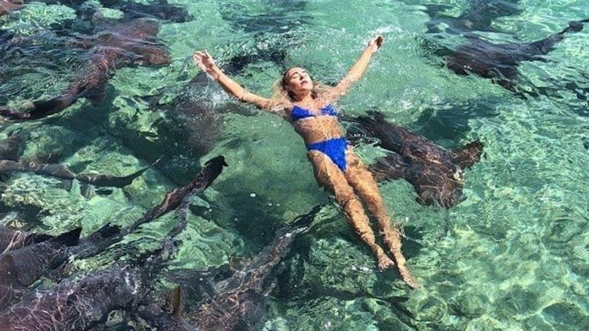 [FOTOS] Joven modelo es mordida por un tiburón durante arriesgada sesión de fotos
