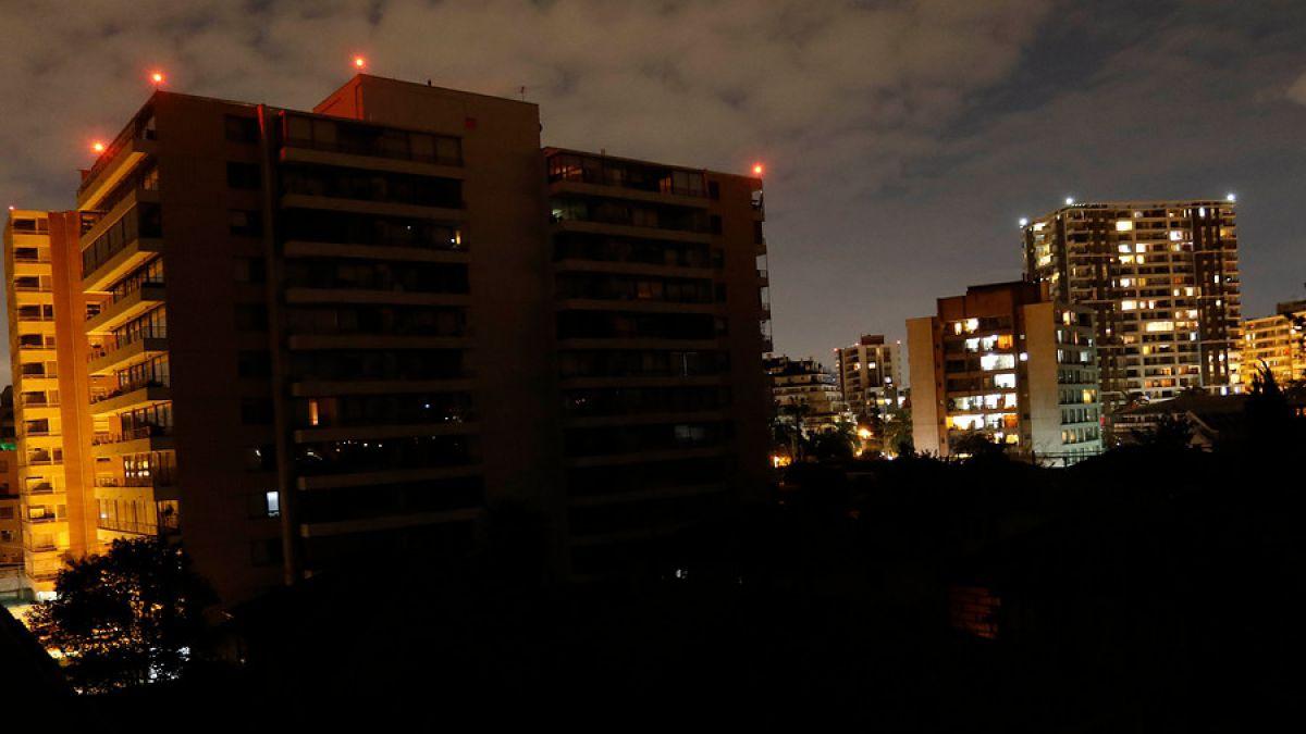 Corte de energía afecta a sectores de Las Condes
