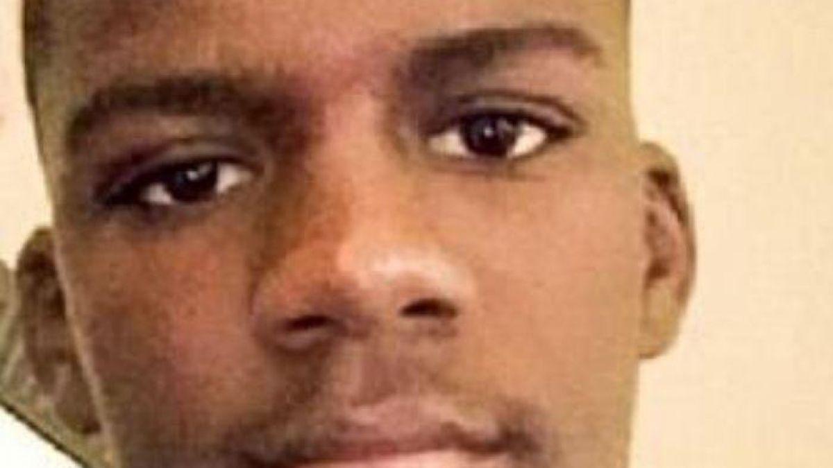 [FOTOS] Insólito: Tras su muerte fue embalsamado jugando videojuegos