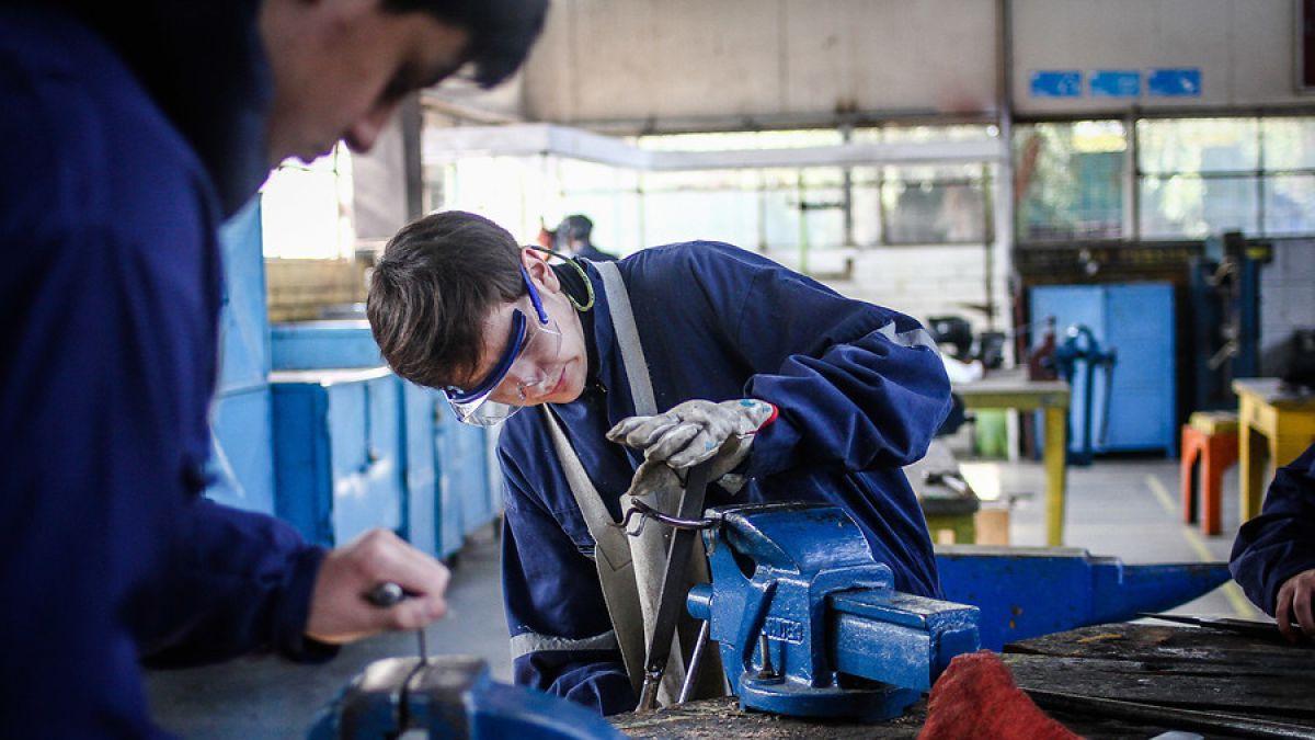 Junaeb abre postulación a Beca Práctica Técnico Profesional 2018