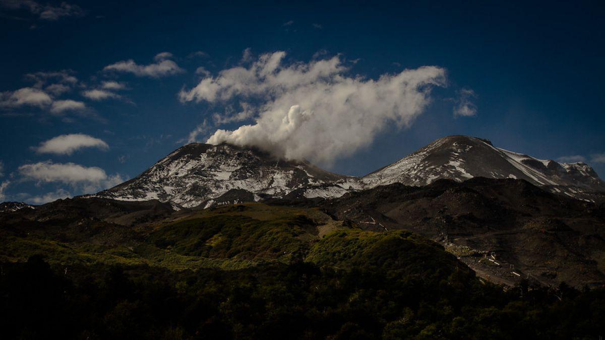 Mantienen alerta por un volcán chileno