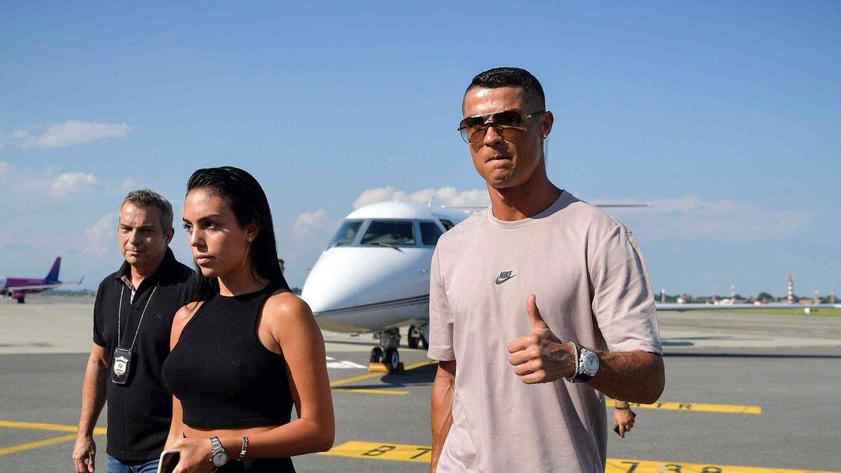 [VIDEO] Ya está en Turín: Mira la llegada de Cristiano Ronaldo para unirse a Juventus