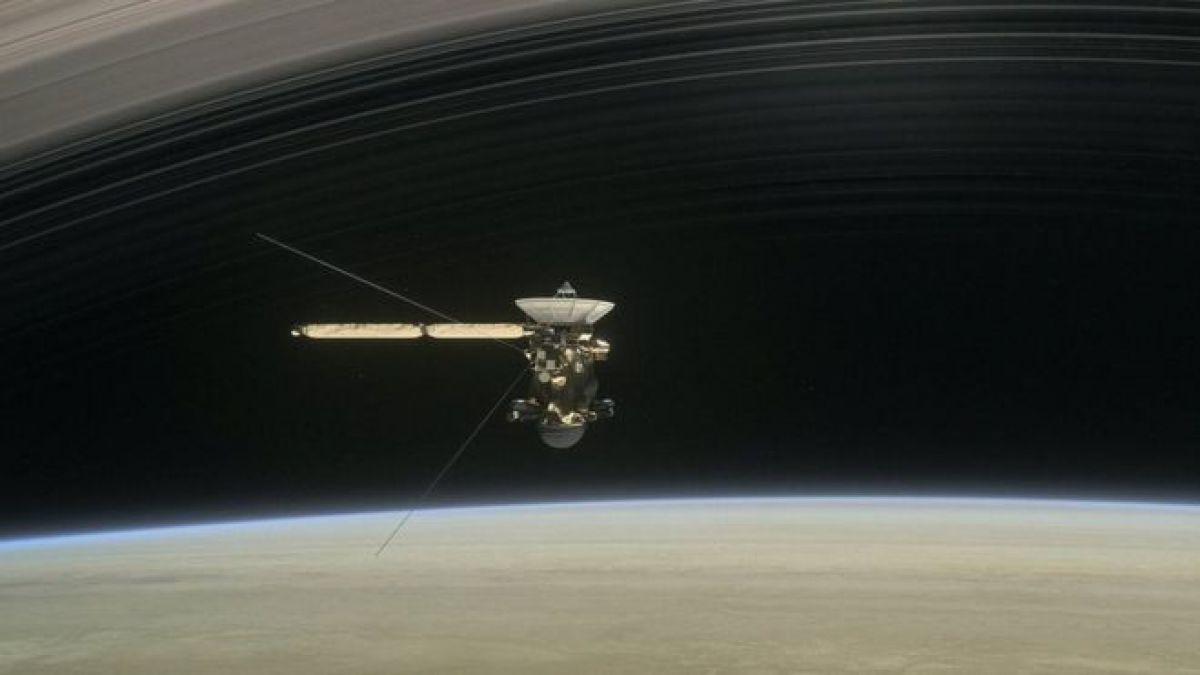 Solar For America >> Sonido describe la relación entre Saturno y una de sus lunas | Tele 13