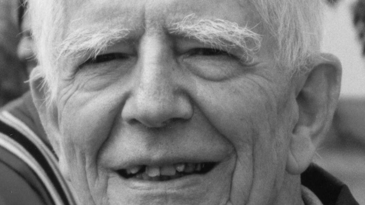 Muere el sacerdote y escritor Carlos Aldunate a los 102 años