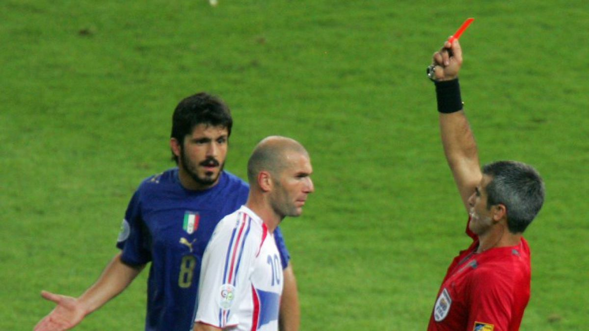 [VIDEO] Árbitro cuenta cómo se enteró que tenía que expulsar a Zidane en la final del Mundial 2006