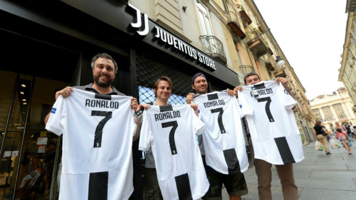 VIDEO  La millonaria recaudación por venta de camisetas de Cristiano  Ronaldo en Juventus c40eeecd3629d