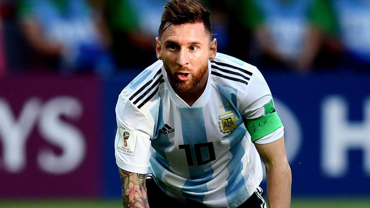 [FOTO] Hincha se realizó un particular tatuaje de Lionel Messi