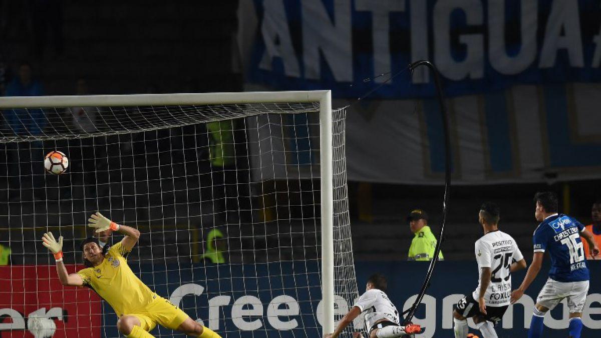 [VIDEO] La brillante doble atajada de portero del Corinthians, rival de Colo Colo en Libertadores