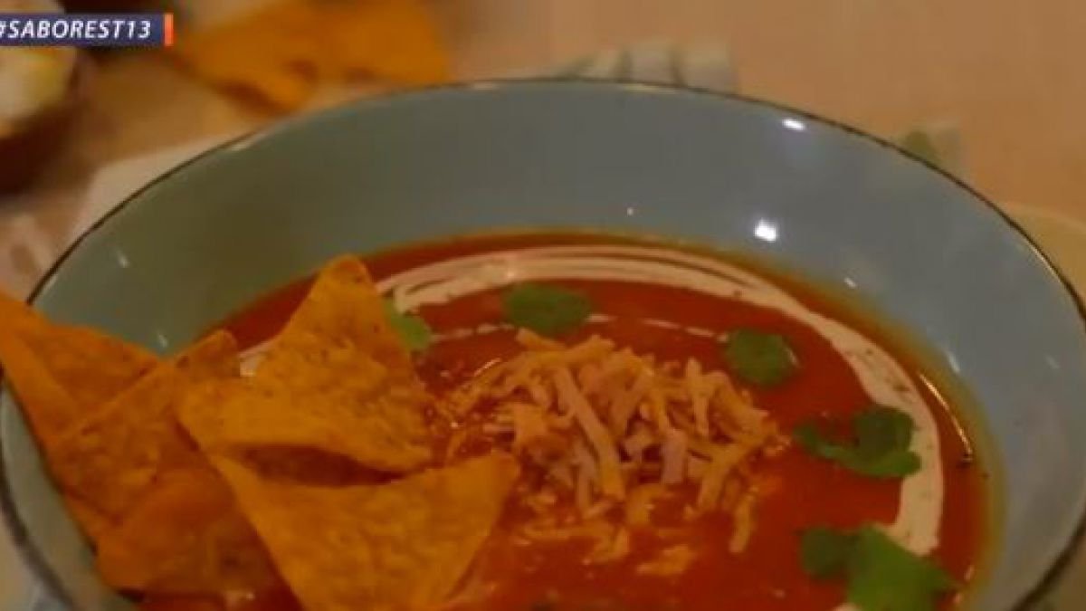 ¿Cómo preparar una crema de tomates tex-mex?