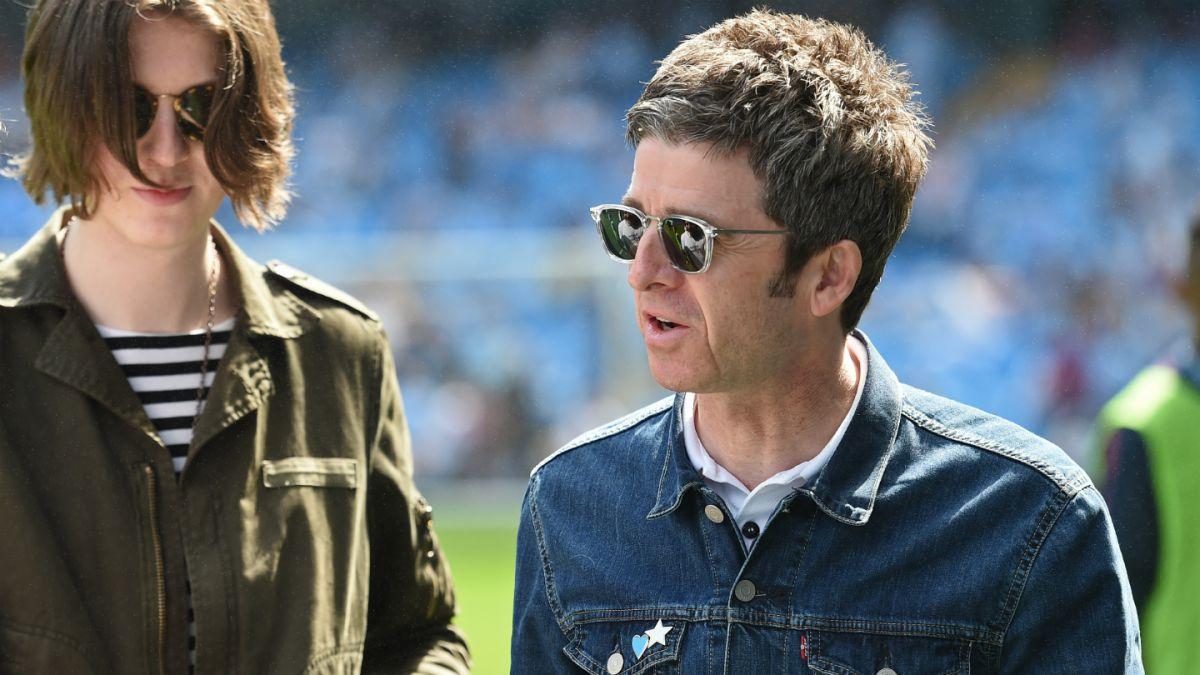 """La """"pelea"""" en Twitter entre Manchester City y el Wembley ante posible retorno de Oasis"""