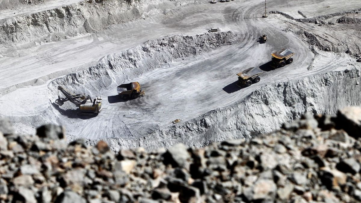 Mina de cobre Chuquicamata bloqueda por paro de trabajadores