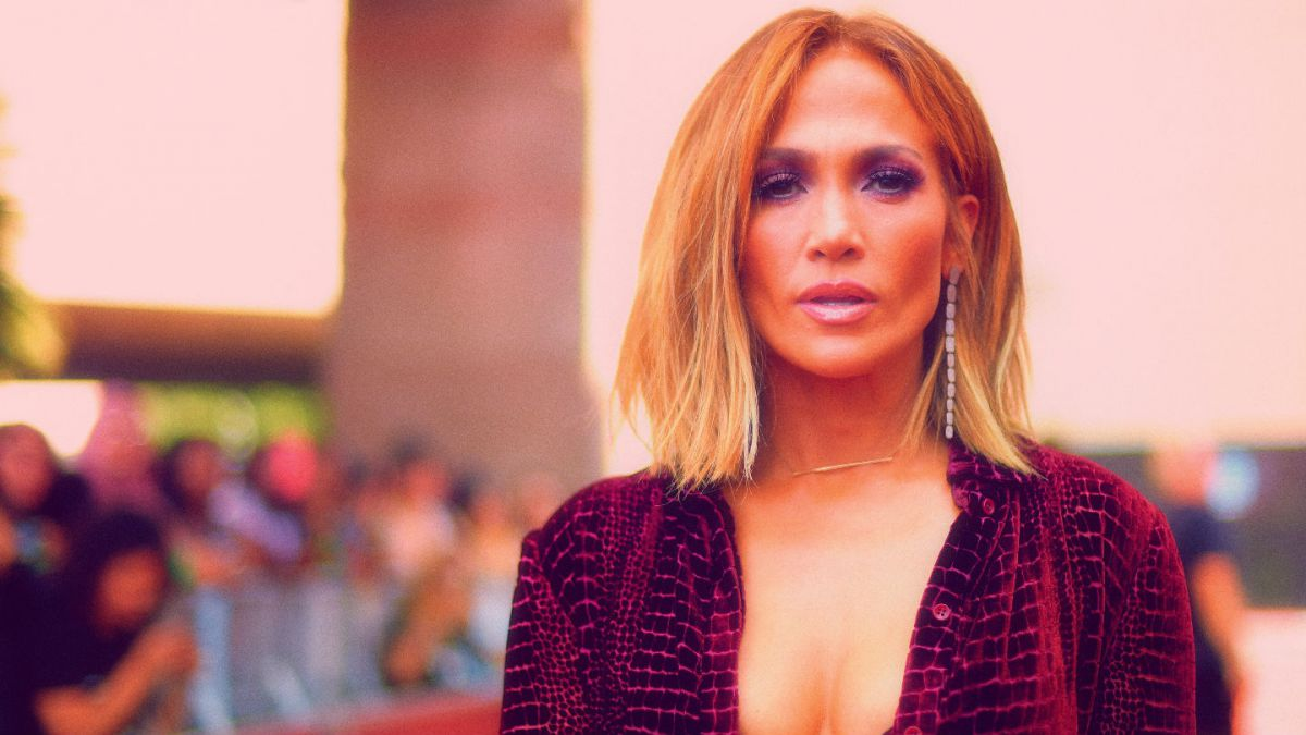 Jennifer Lopez sale a la calle sin pantalones (FOTOS)
