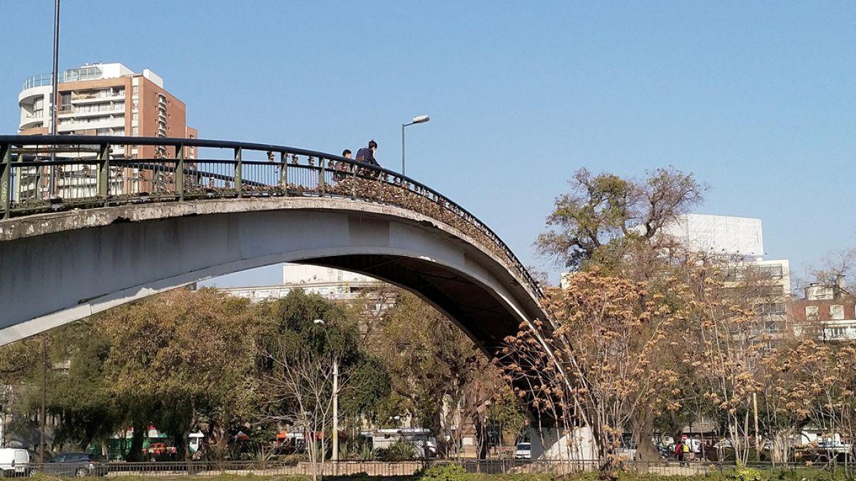 Puente de los candados: los riesgos poco conocidos de esta tradición amorosa