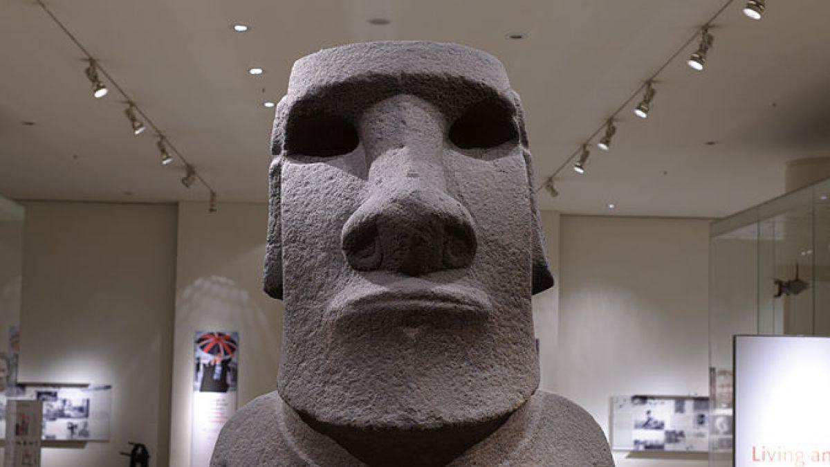 Chile pide al Reino Unido que le devuelva un moái