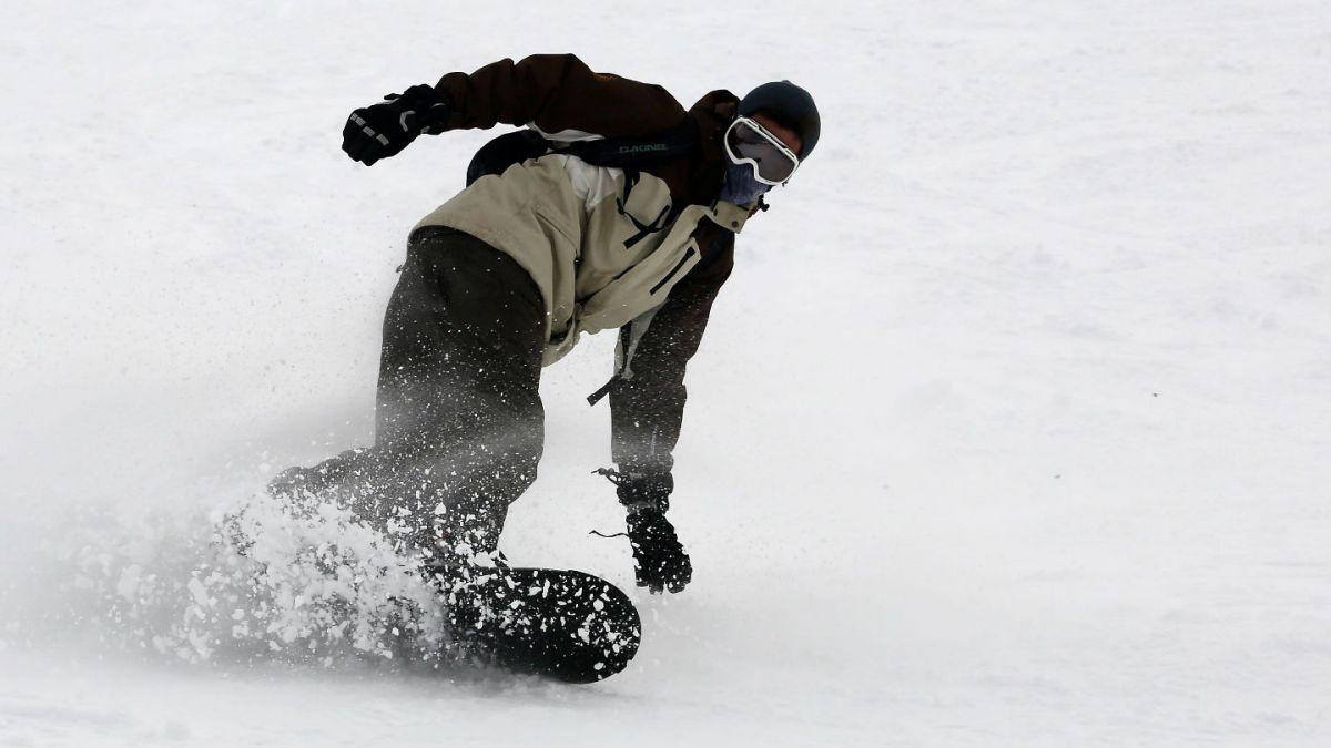 [VIDEO] Snowboarder chileno se salvó de quedar enterrado en la nieve luego de una avalancha
