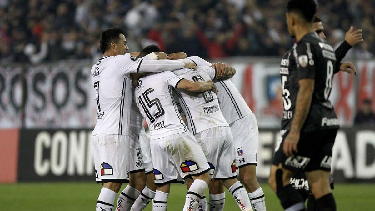Lucas Barrios le dio el pasasporte a Colo Colo a cuartos