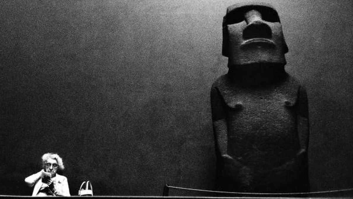 La increíble historia del moai que Reino Unido robó de la Isla de Pascua