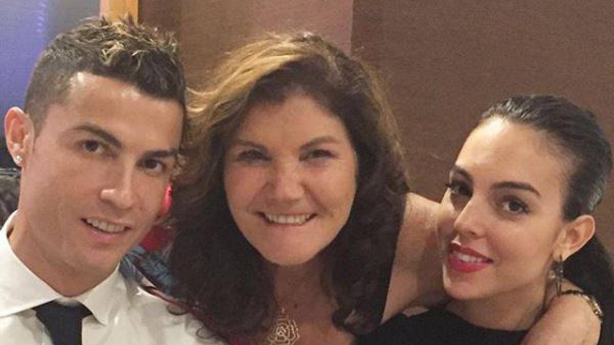 La madre de Ronaldo, en guerra con la novia de su hijo