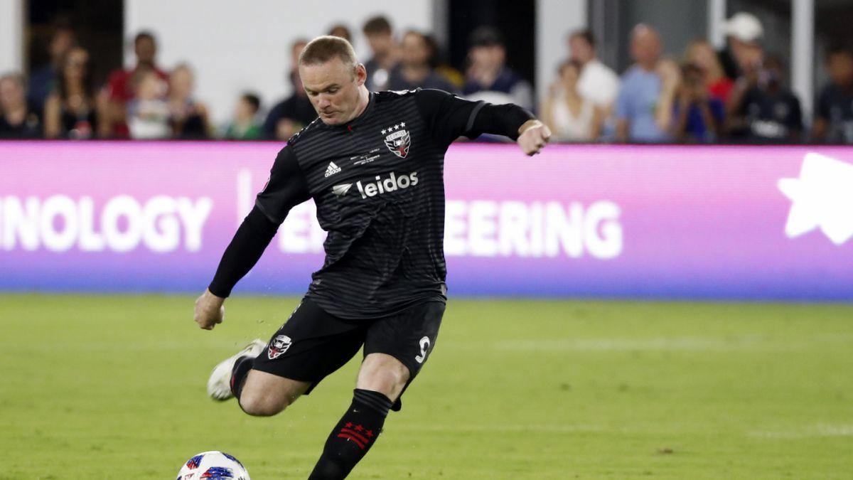 La jugada de Wayne Rooney que le da la vuelta al mundo