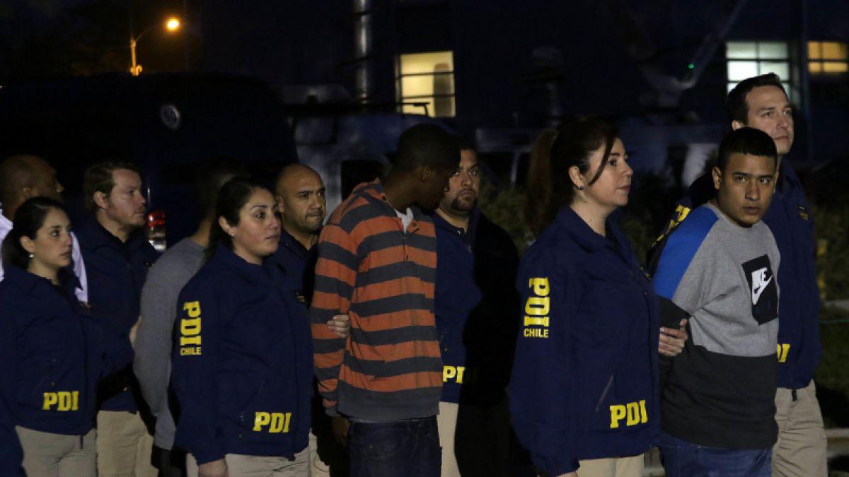 77 ciudadanos bolivianos y peruanos son expulsados del país