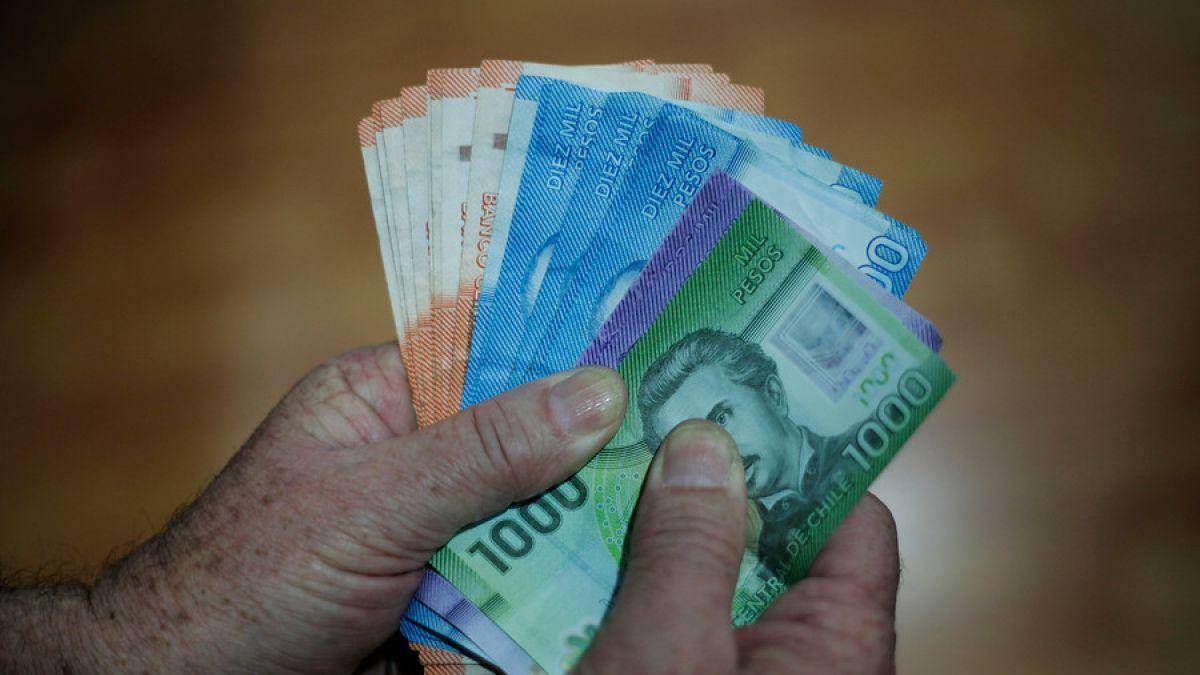 Fundación SOL: 7 de cada 10 trabajadores ganan menos de 550 mil pesos