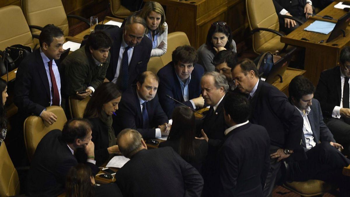 Cámara analiza este martes el veto presidencial a proyecto de sueldo mínimo