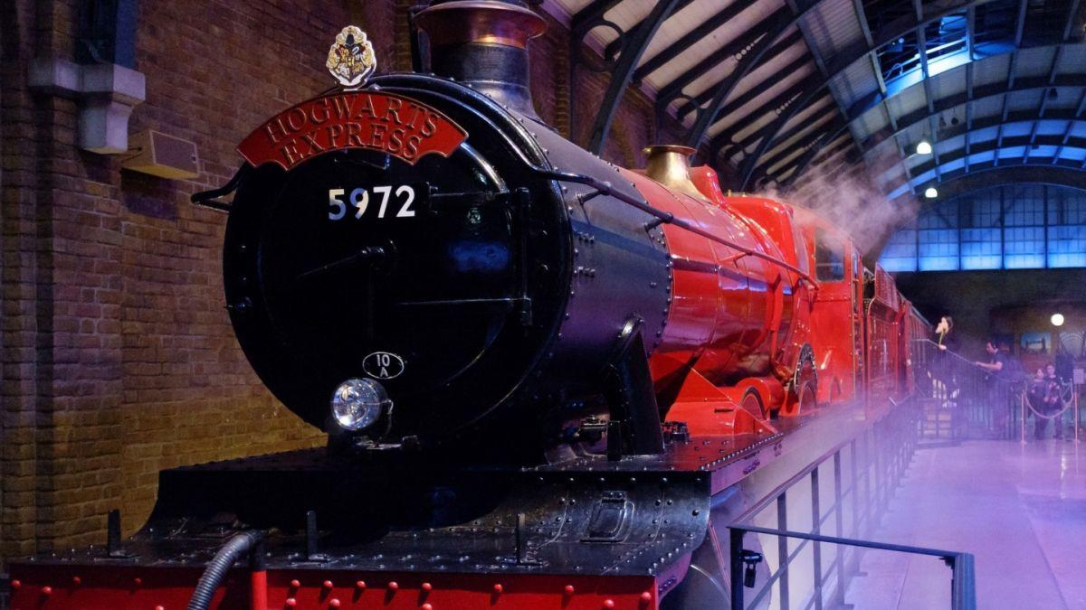 'Animales Fantásticos 2' regresa al castillo de Hogwarts ¡Mira el nuevo tráiler!