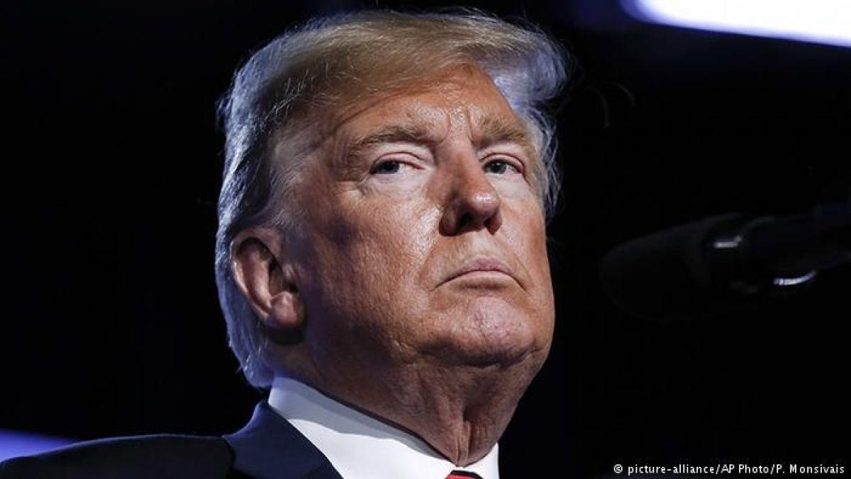 Trump ataca al New York Times por artículo anónimo de un miembro de su gobierno