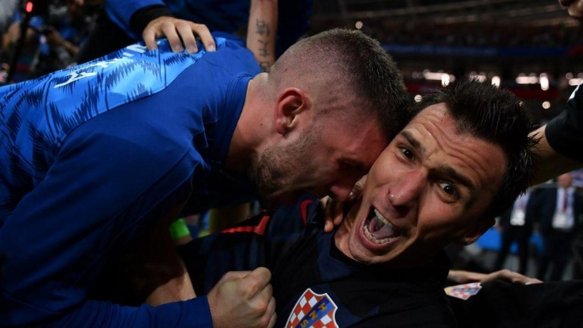 [FOTOS] Final feliz: Futbolistas recibieron en Croacia a fotógrafo que aplastaron durante Rusia 2018