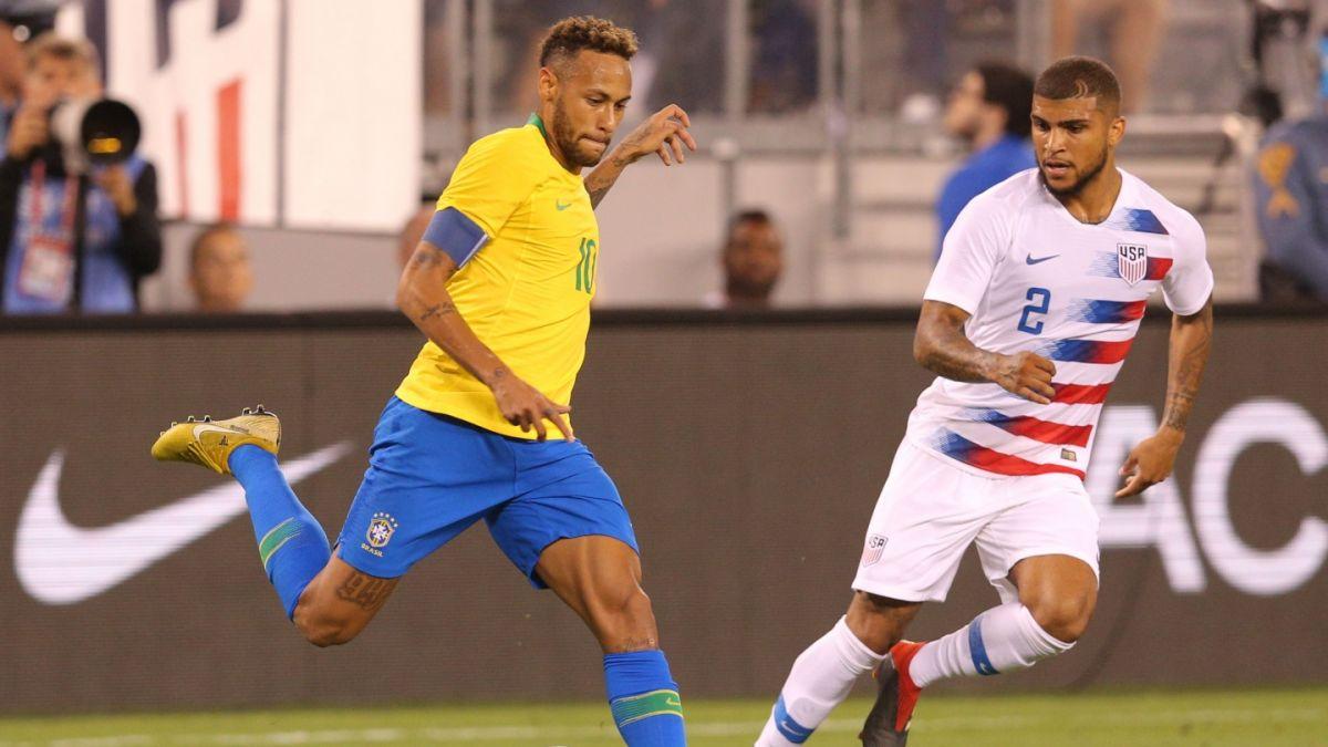 El insólito reclamo de un jugador a un árbitro tras falta sobre Neymar