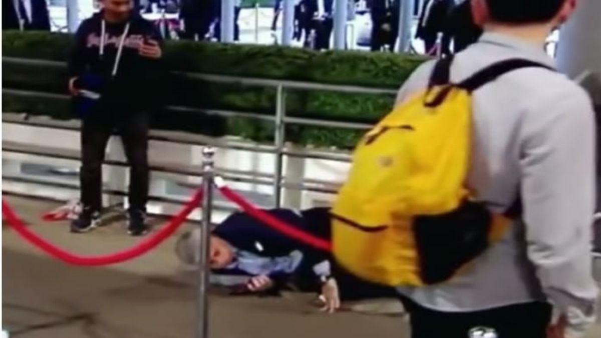 [VIDEO] José Mourinho protagoniza aparatosa caída en Wembley y se vuelve viral