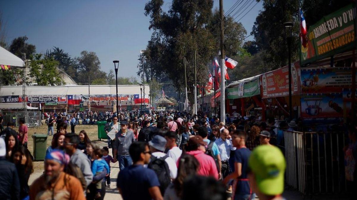 ¿Buscando panoramas? Los horarios y precios de las principales fondas de Santiago