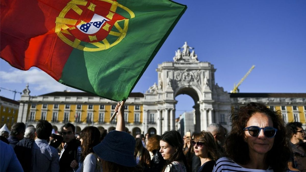 Qué son las visas doradas que ofrece Portugal y por qué ahora causan polémica