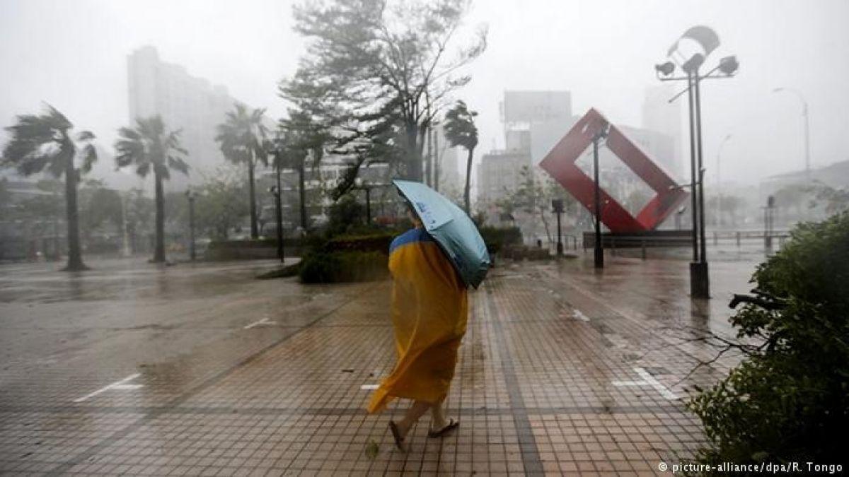 65 muertos y decenas de desaparecidos por el tifón Mangkhut — Filipinas