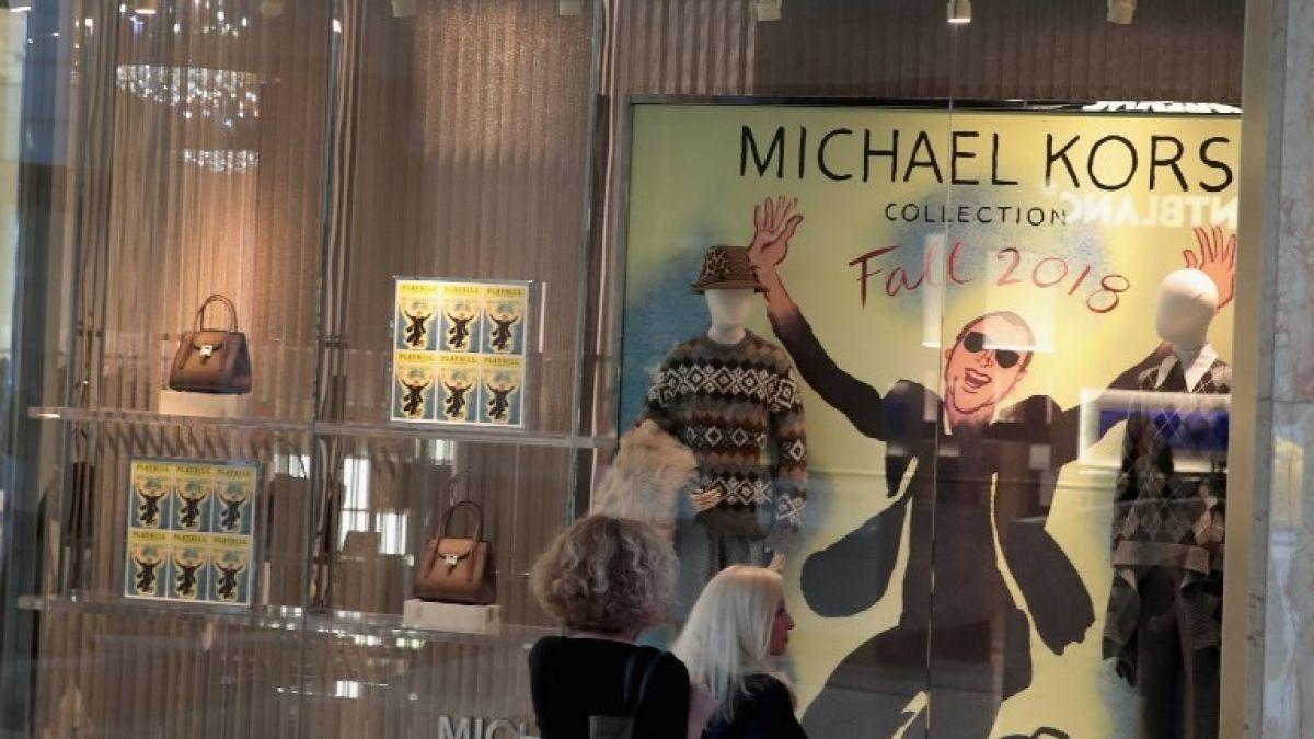 Michael Kors compra Versace por 1.830 millones de euros   Tele 13 622bb46a4f