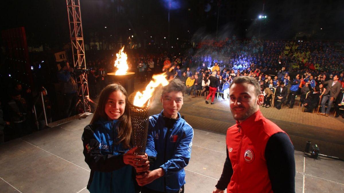 Final Nacional de los Juegos Deportivos Escolares: Más de 600 jóvenes se reúnen frente a La Moneda