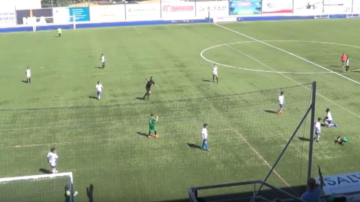[VIDEO] Indignación en España por espeluznante lesión de niño de 9 años en el fútbol infantil