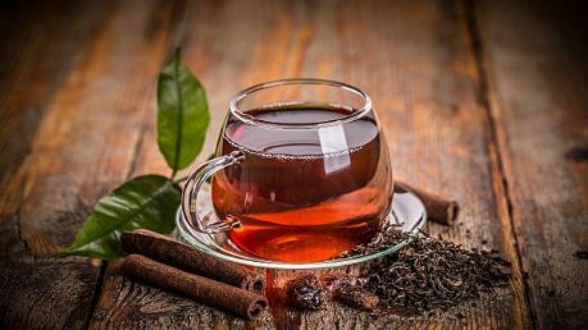 Verde, blanco, azul y rojo: Los beneficios y propiedades de cada tipo de té