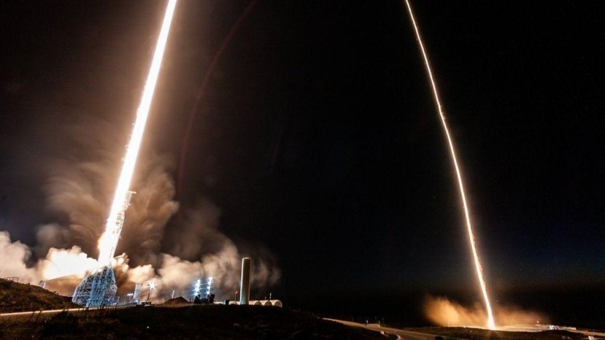 Lanzamiento de satelite argentino ilumina el cielo