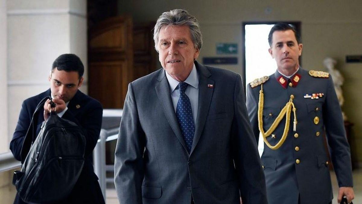 Ministro de Defensa anuncia investigación tras homenaje a Krassnoff en la Escuela Militar